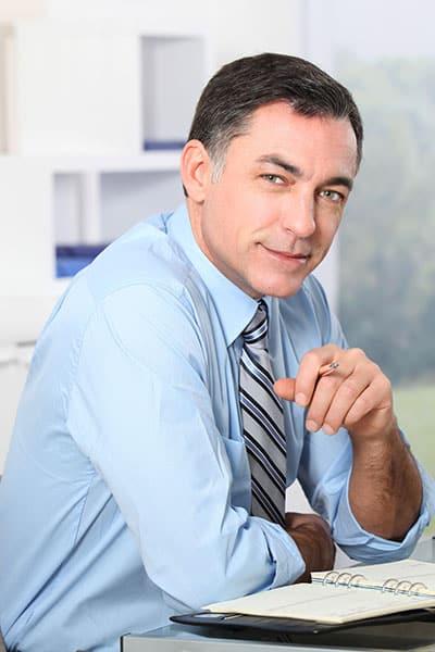 איש עסקים עם יומן